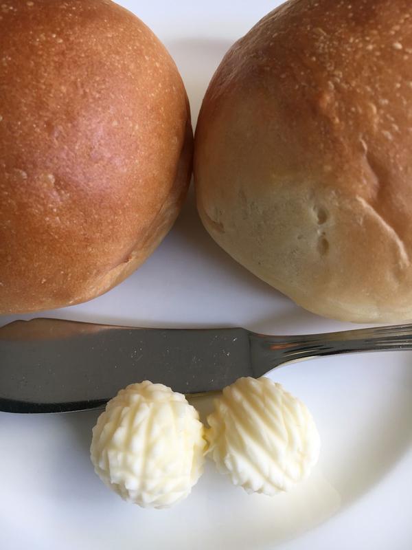 自家製焼き立てパン!