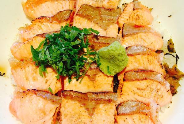 魚沼産コシヒカリのサーモン丼