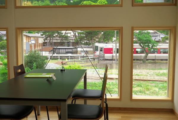 竹田駅からすぐ近く