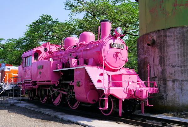 若桜駅のピンクのSL