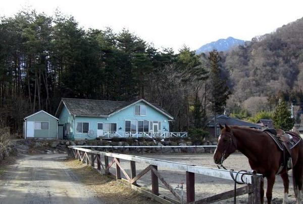 乗馬牧場ホワイトサドル
