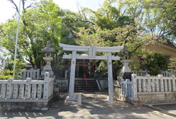 忍陵(しのぶがおか)神社