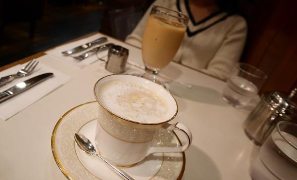まずはコーヒーを。