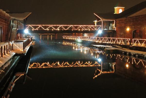 夜は運河が綺麗!