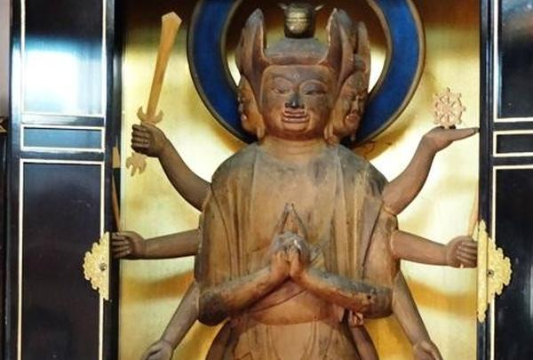 横山神社「馬頭観音」