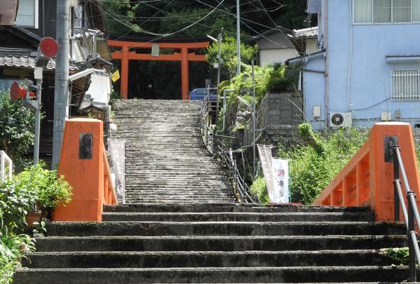 與喜天満神社は山の上