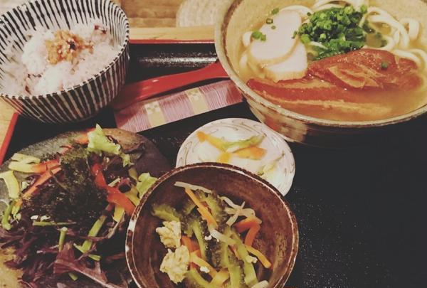 定番!沖縄そば定食