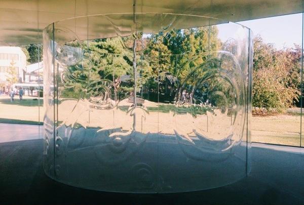 『無重力性と透明性』