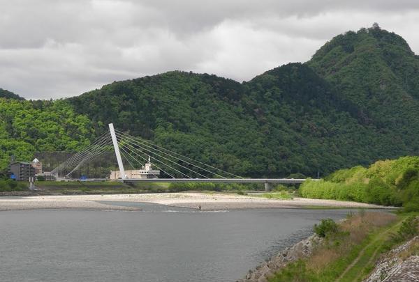 鵜飼い大橋