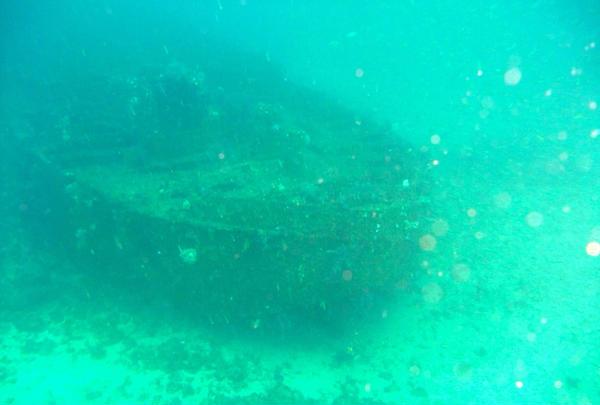 初島の沈船