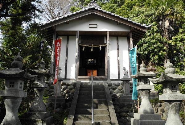 こちらが稲荷神社です