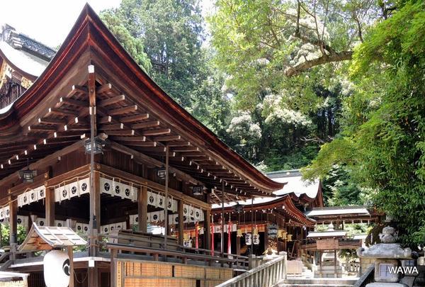 日牟禮八幡宮(ひむれはちまんぐう)