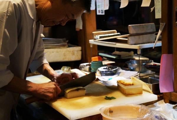 はっとり名物「さば寿司」