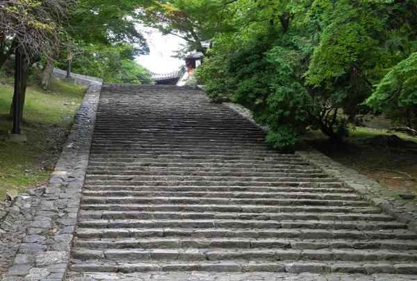 大仏殿横の石段