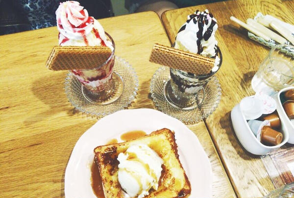 パフェやフレンチトースト