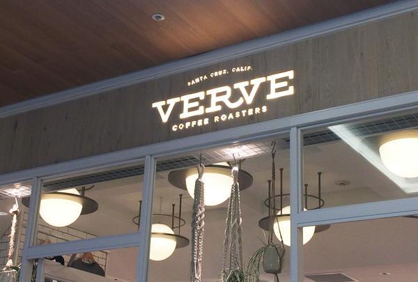 VERVE COFFEE ROASTERS SHINJUKU STATION(ヴァーヴ コーヒー ロースターズ シンジュク ステーション)