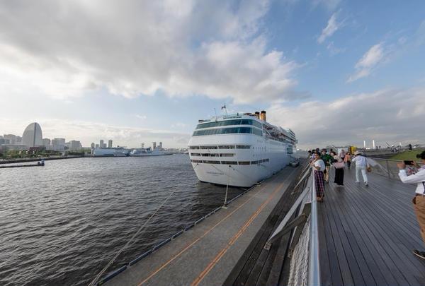 横浜港大さん橋国際客船ターミナル(大さん橋)