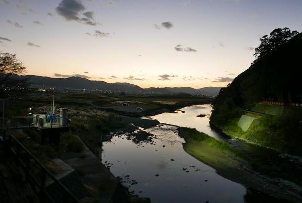 桂川の夕空