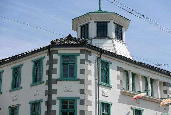 最上階の櫓が特徴