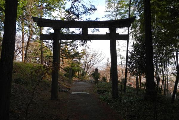 本堂から更に奥の神社