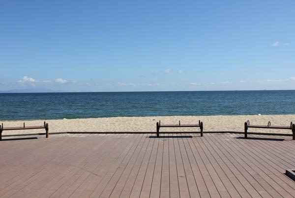 海と空の景色を感じながら、癒しの一時。