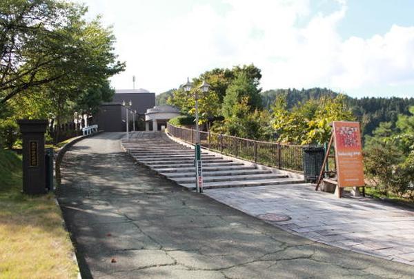 長岡市栃尾美術館