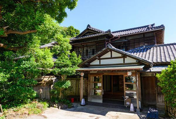 KITAYA Ryokan (文化財の宿旅館喜多屋 ) + Cafe&Dining BOTAN (ぼたん)