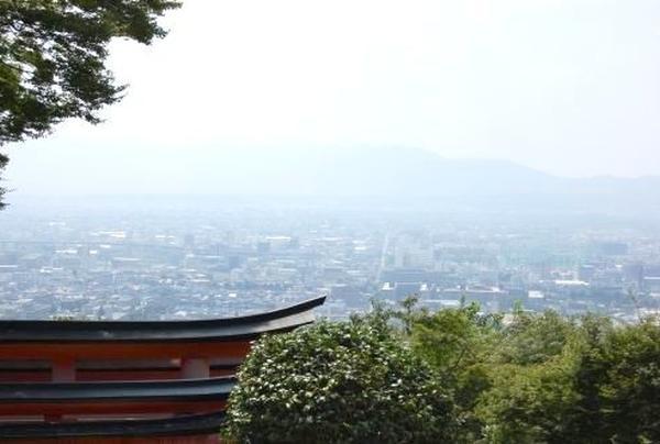 稲荷山中腹からの眺め