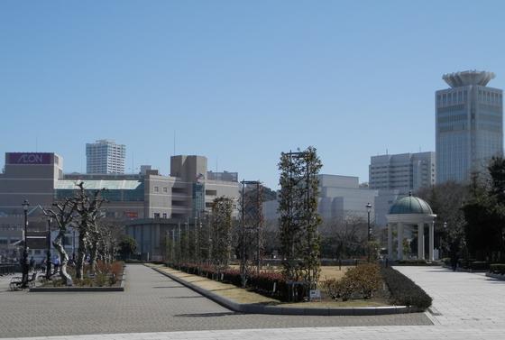 軍港とバラを一望できる珍しい公園