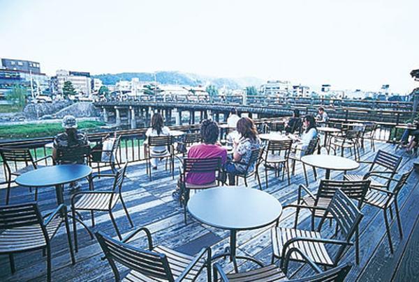 スターバックスコーヒー 京都三条大橋店(STARBUCKS COFFEE)