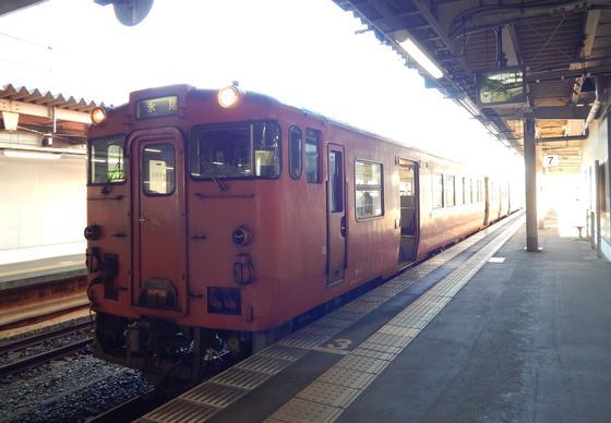 JR高岡駅から氷見線に乗って