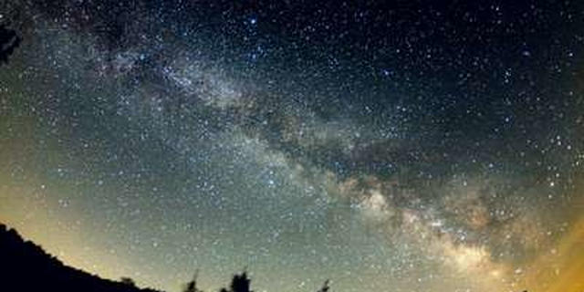 谷川岳で夏の満天の星空と天の河を見上げる/天神平