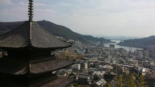 箱庭的都市尾道、山から見るか?海から見るか?