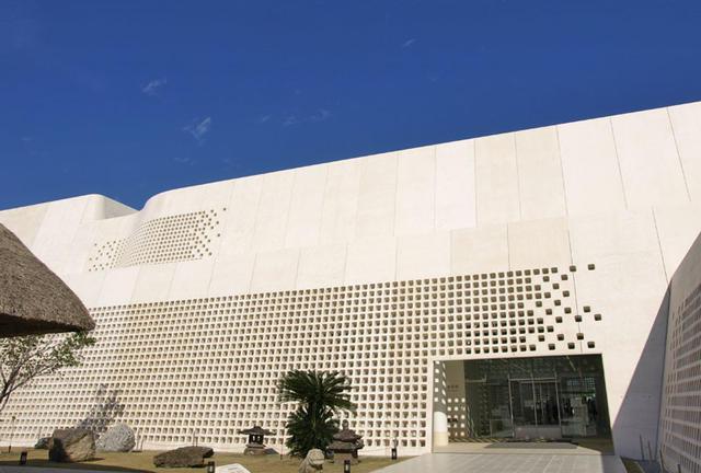 県立博物館美術館と那覇新都心を満喫しよう