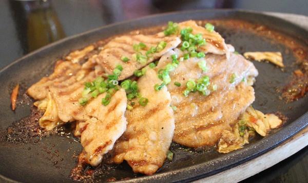 沖縄料理は一通り揃ってます。