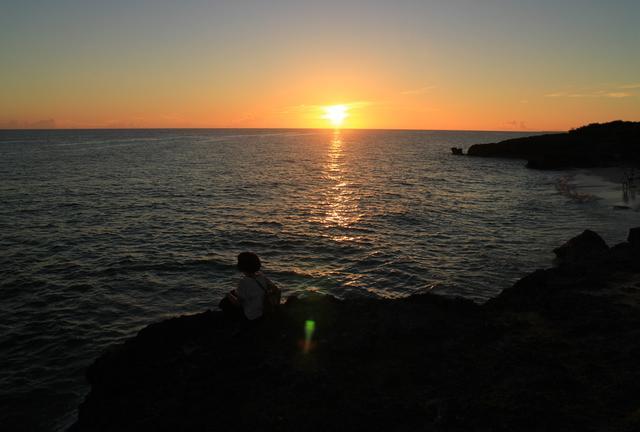 『サンセットと島カフェ巡り』 橋を渡って、静かな静かな来間島