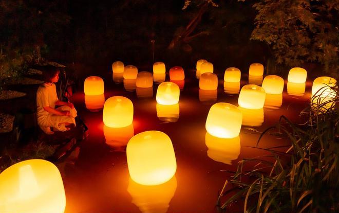 浮遊する呼応するランプ - ワンストローク、Fire/Floating Resonating Lamps - One Stroke, Fire