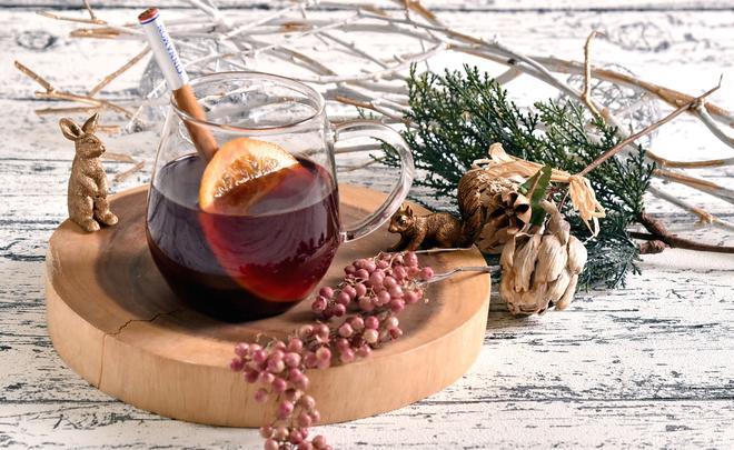 果実とスパイス香るホットワイン イメージ