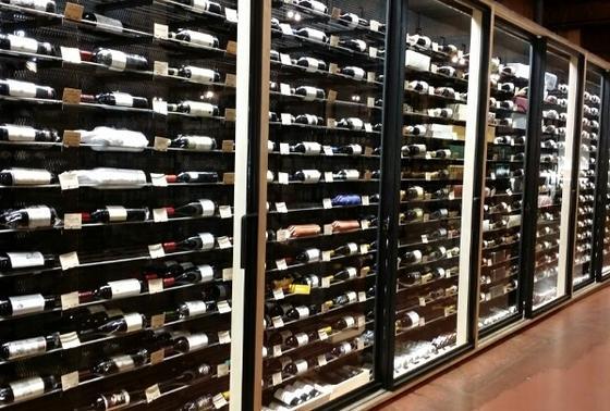 種類が豊富なワインたち。
