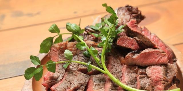 色んなお肉食べるよ!( ・`ω・´)9