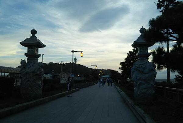 江島神社御鎮座記念龍燈籠