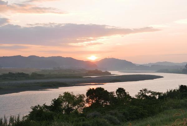 四万十川の夜明け
