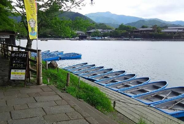 ボートから嵐山を見てみては?
