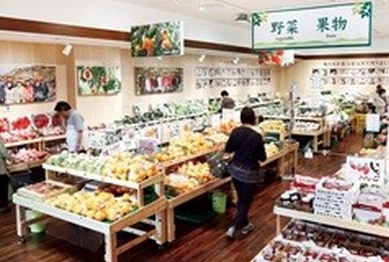 和歌山の特産品が並ぶ