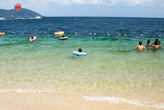 近江舞子で湖水浴