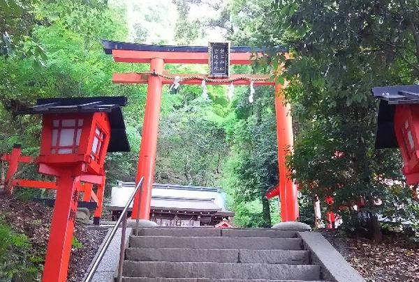 嵐山の弁天さん「櫟谷宗像(いちいたにむなかた)神社」