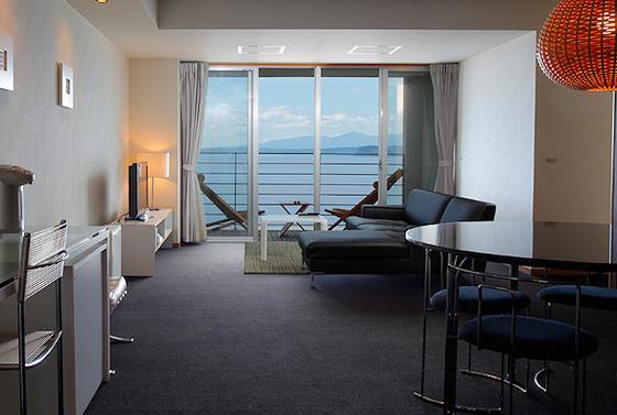 海辺のリゾートホテル「プライベート・スパ・ホテル・オレンジ・ベイ」